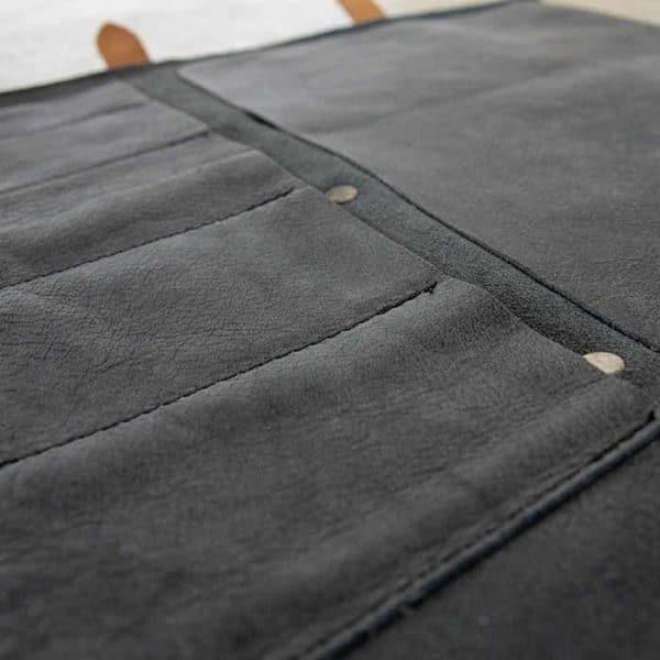 schwarze Messertasche aus Leder für 5 Messer von McBrikett